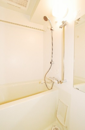 <br />浴室乾燥機あり。