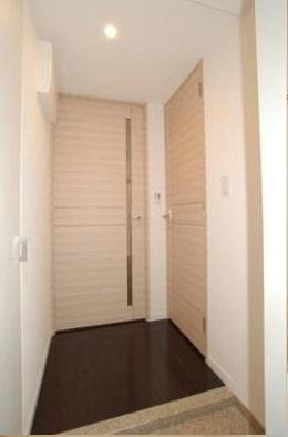 <br />玄関からのイメージ。
