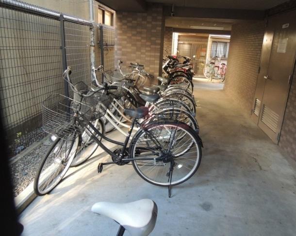 <br />駐輪場。