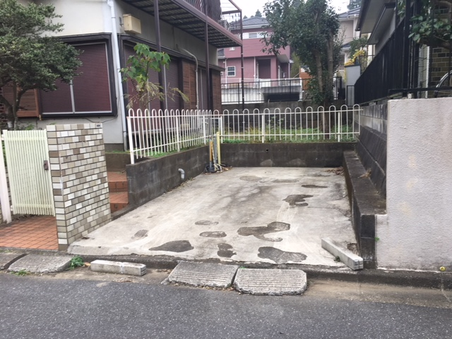 【駐車場】<br />敷地内駐車場あります
