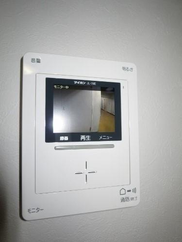 【セキュリティ】<br />TVモニター付インターホン
