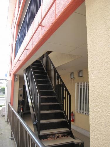 【建物外観】<br />階段部分