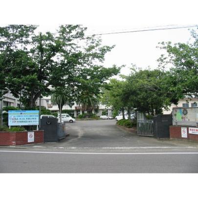 <br />宮崎市立宮崎西中学校:1894m