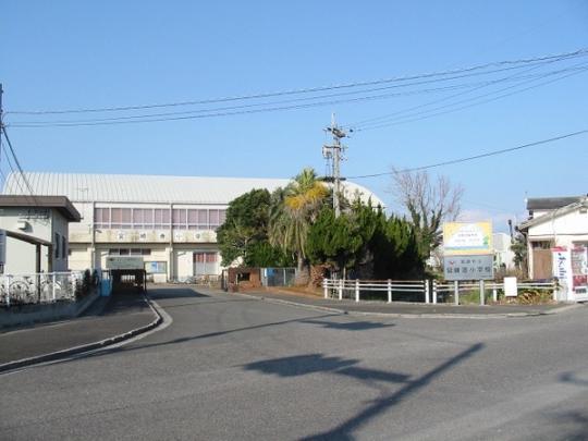 <br />宮崎市立宮崎港小学校:1455m