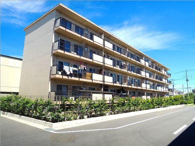 【外観】<br />2011年8月外壁塗装および屋根防水(10年保証付)