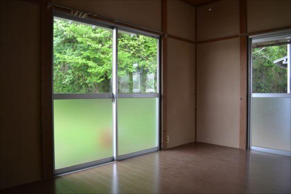 【居室・リビング】<br />4室とも、全て2DKです。畳の部屋がある棟もあります。