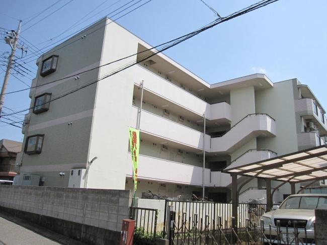 【建物外観】<br />東側