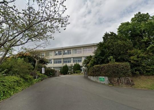 <br />宮崎市立広瀬中学校:304m