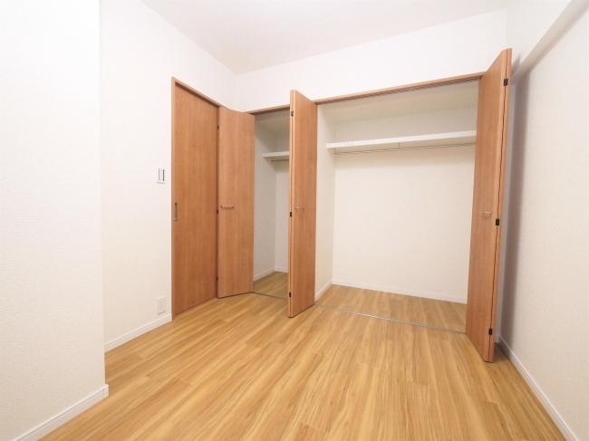 【収納】<br />壁一面収納スペース♪